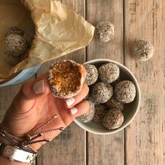 Nut-free carrot cake bliss balls | Children's Oasis